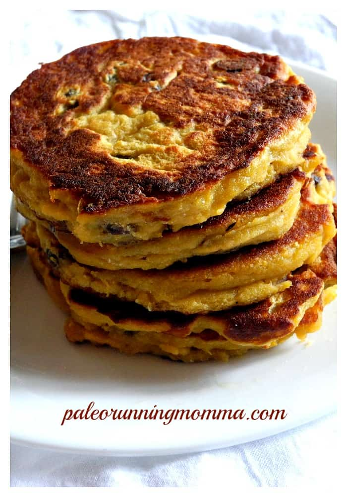 Maple Raisin Acorn Squash Pancakes #paleo #nutfree #grainfree #dairyfree