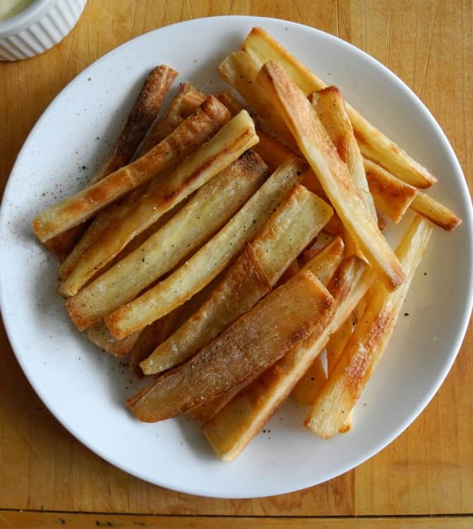 Crispy baked cassava fries