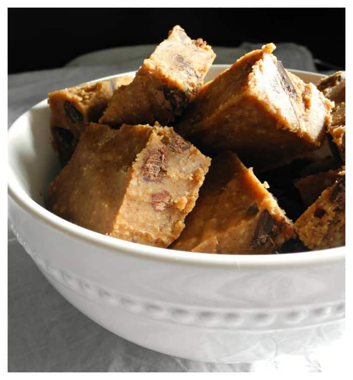 Chocolate Chip Cookie Dough Fudge #paleo #vegan