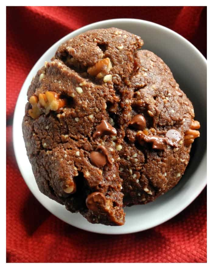 Chewy Double Chocolate Pecan Cookies #paleo