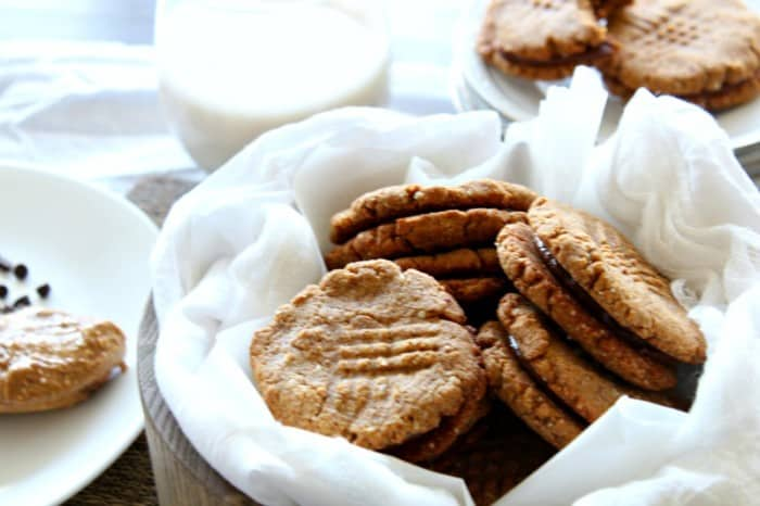 Almond butter chocolate sandwich cookies - paleo, dairy free