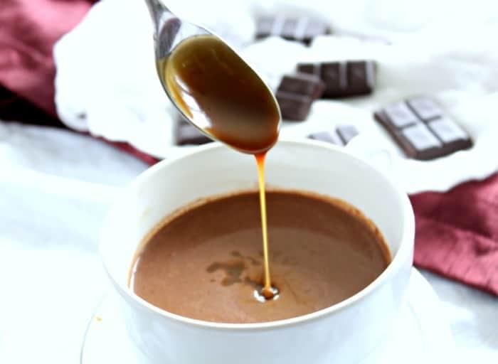 Caramel sauce drip