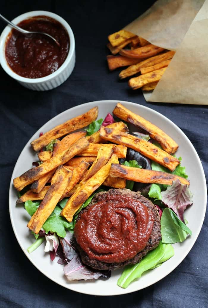 Bbq sauce with baked sweet potato fries