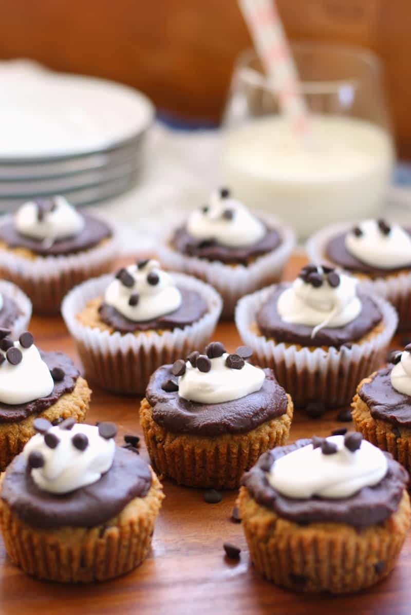Cookie cupcakes with chocolate fudge