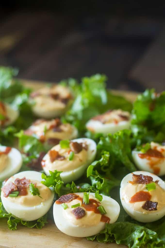 sriracha deviled eggs-3