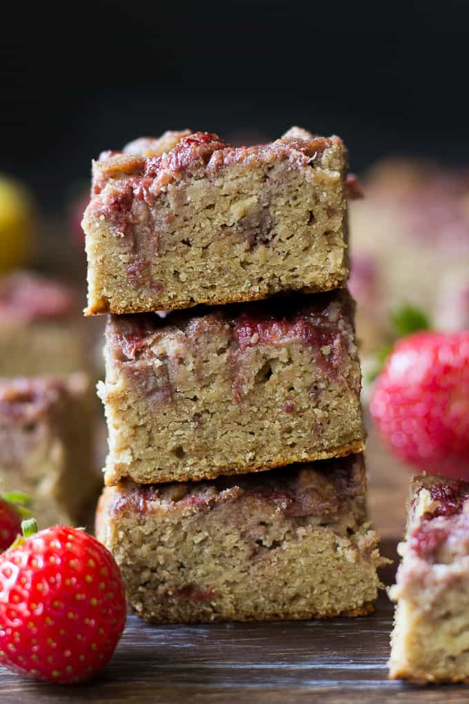 Strawberry banana bread breakfast bars-4