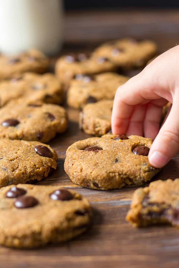 pumpkin-choc-chip-cookies-10