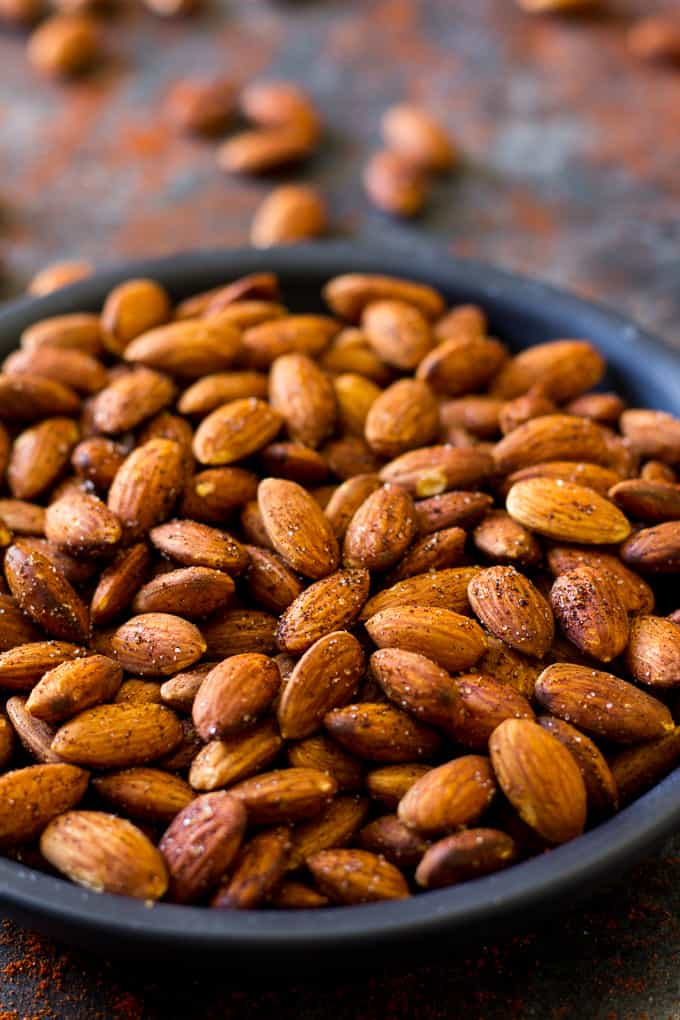 Easy Chipotle Roasted Almonds {Paleo & Vegan}