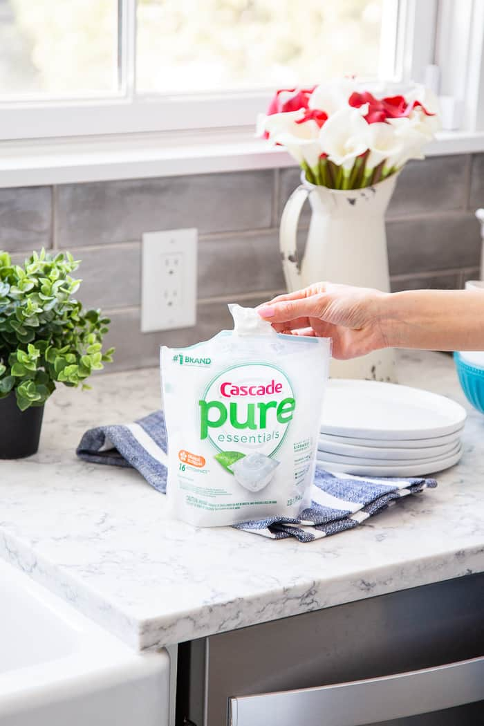 @Cascade has always been my go-to brand for dishwasher detergent so I'm seriously thrilled about the new #pureessentials.  The formula is free of phosphates and chlorine bleach but chock-full of the power needed to get your dishes and silverware sparkling. #AD